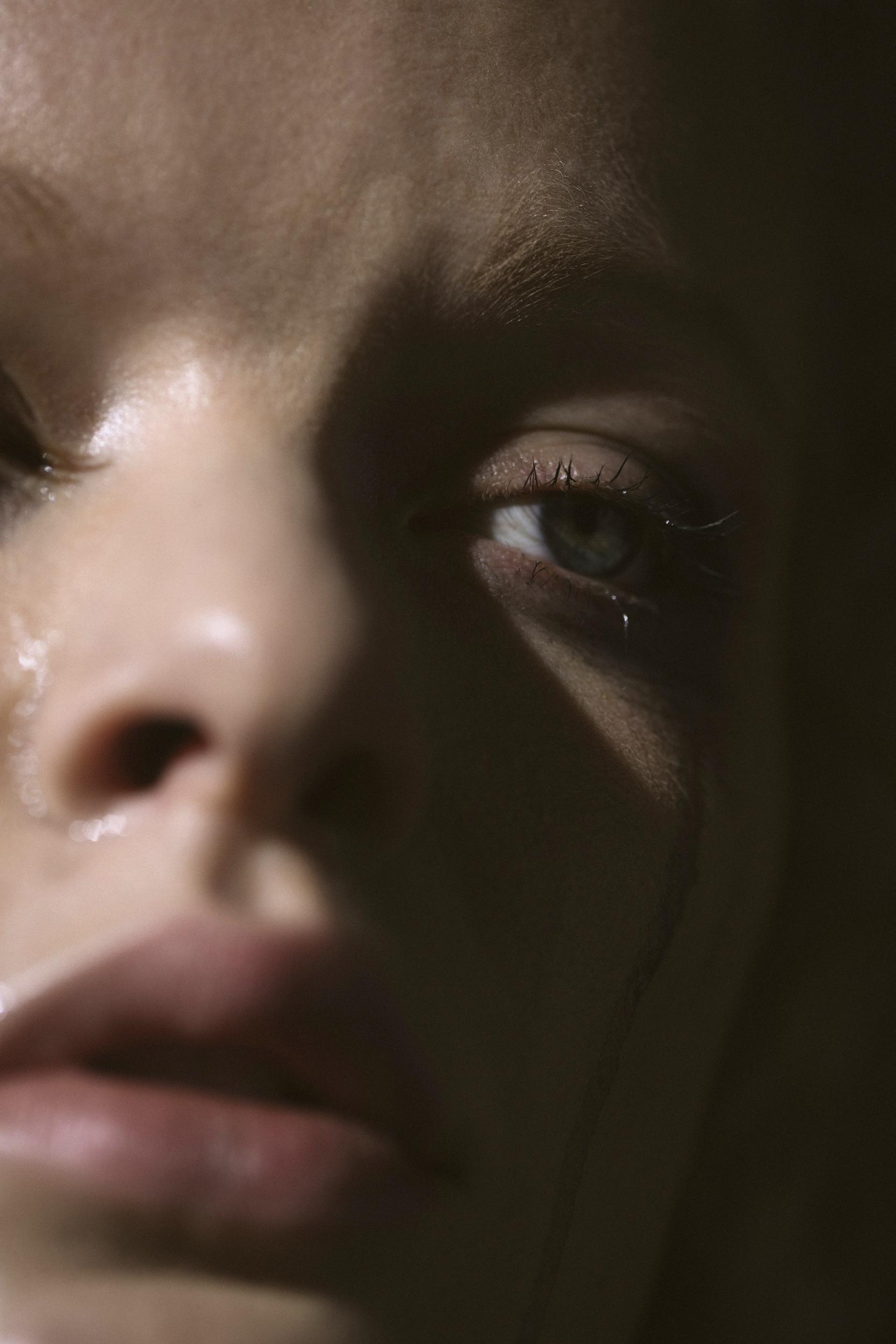 Nora Heinisch Cry series, 2019